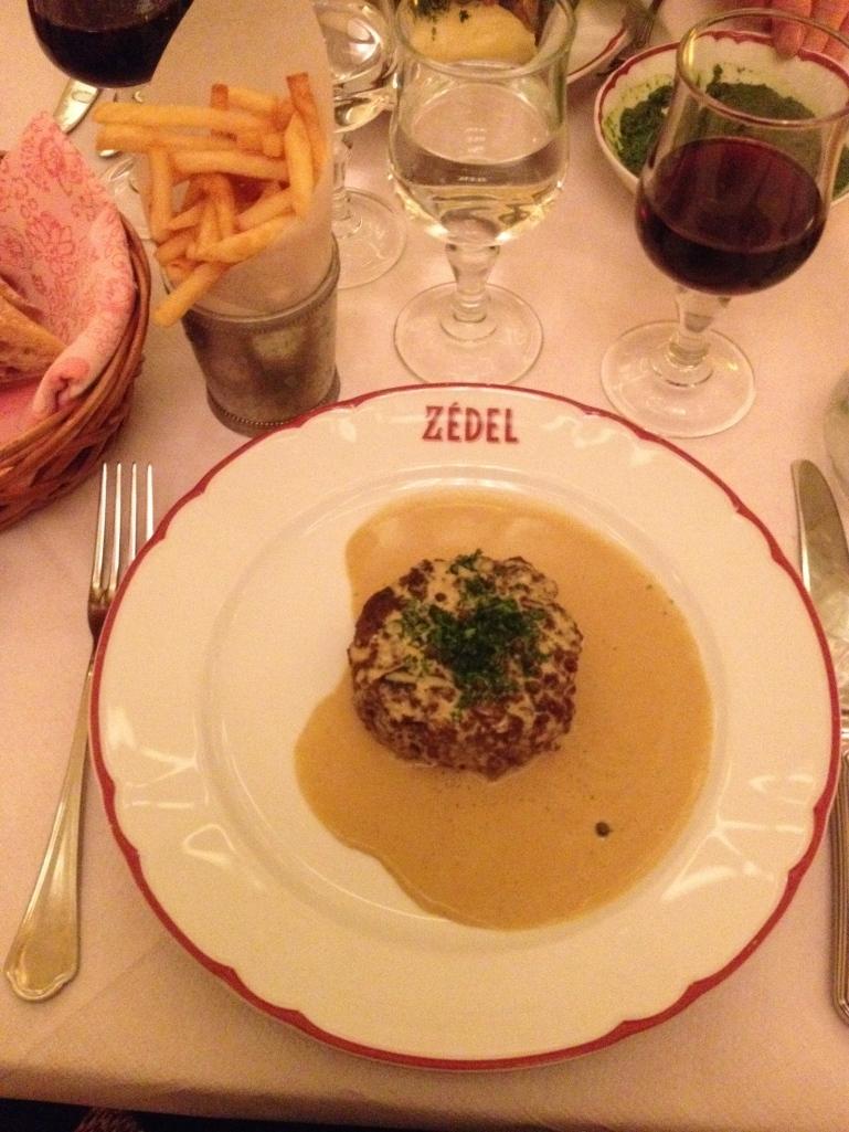 Steak Haché, Sauce au Poivre et Frites Brasserie Zédel